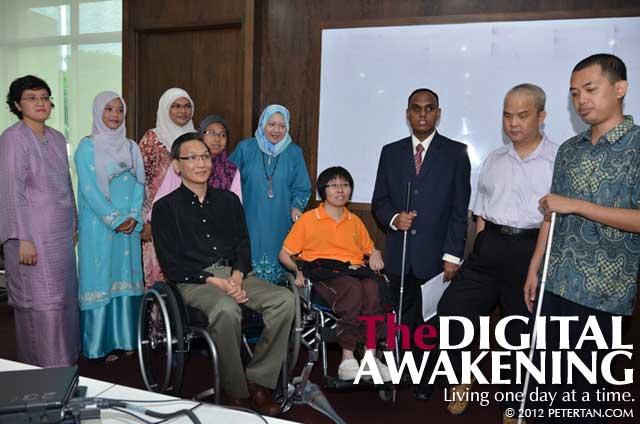 Posing for photographs for the USM news report