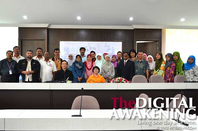 Participants group ohoto at the conclusion of USM DET workshop