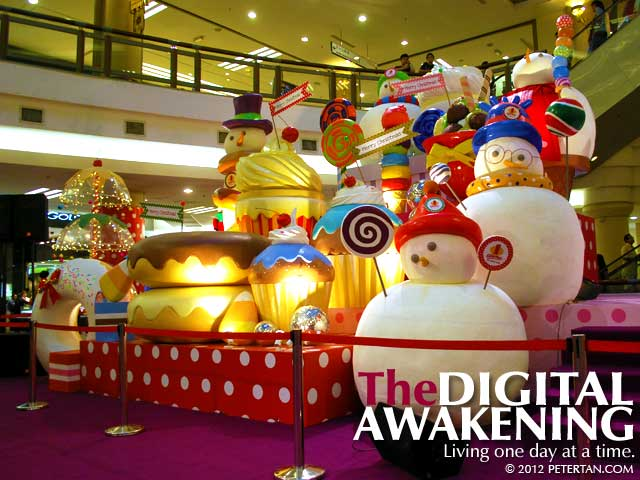 Giant Christmas pastries at 1 Utama
