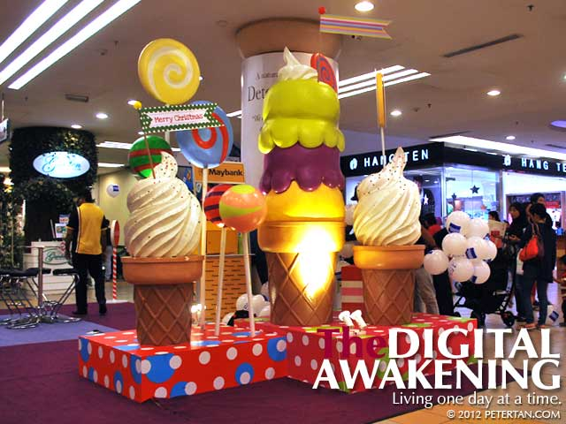 Yummy looking sundaes and lollipops at 1 Utama