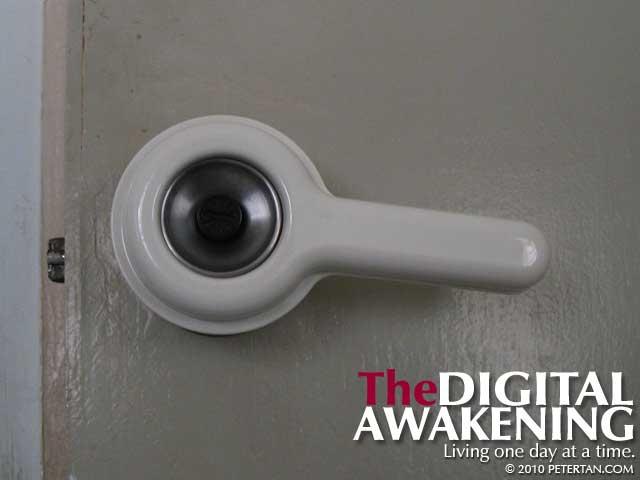 Door knob extender - door knob turner
