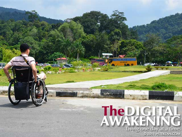 No way for wheelchair user to get up the kerb and to the ramp at Penang Water Garden